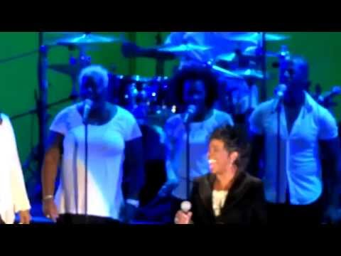 Gladys Knight - Make Yours A Happy Home at Hollywood Bowl 2014