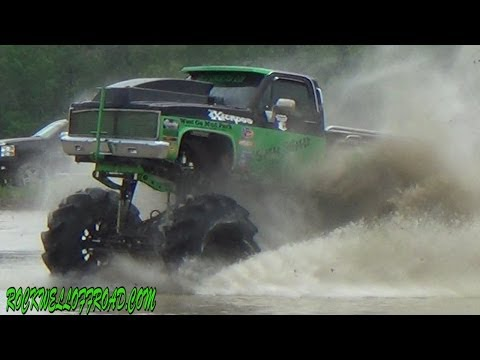 SLINGER FREESTYLE AT MUD TRUCK MADNESS!!!!