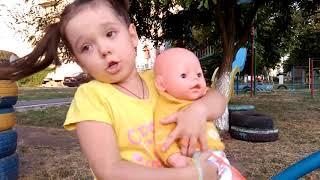 Ксюша КАК МАМА для кукол Беби Бон! УЧИМ ЦВЕТА НА ДЕТСКОЙ ПЛОЩАДКЕ Видео для детей