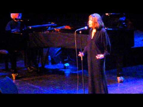 Juliette GRECO - La Chanson de Prévert (Serge Gainsbourg) @ Halle aux Grains 2013