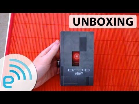 Motorola Droid Mini Unboxing | Engadget