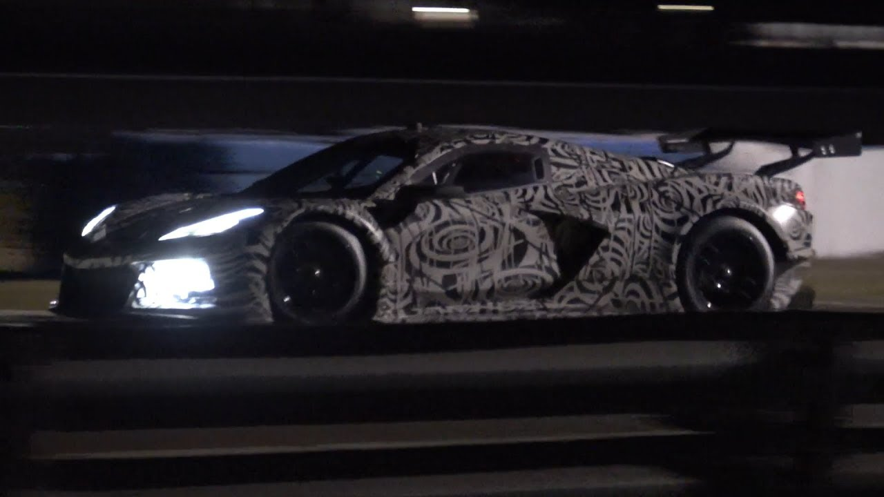NEW Corvette C8.R Night Test at Sebring - YouTube