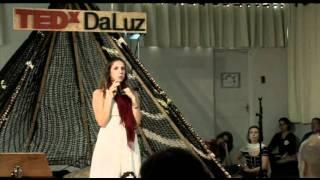 TEDxDaLuz - Isadora Migliori - Da física à consciência
