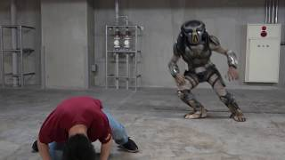 映画『ザ・プレデター』の公開を前にプレデターさんと反復横跳び対決してみた