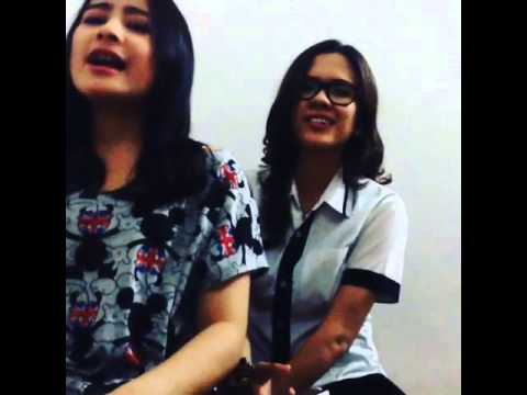 Prilly dan Michelle Back at One (part 2)