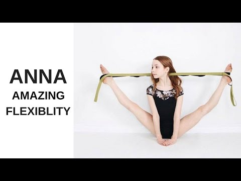 The extremely flexible Anna McNulty