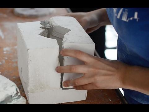 Cómo hacer moldes de yeso para cerámica