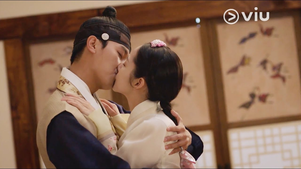 Download QUEEN FOR SEVEN DAYS 7일의 왕비 Ep 11: Yeon Woo Jin & Park Min Young's Sweet Kiss! [ENG]