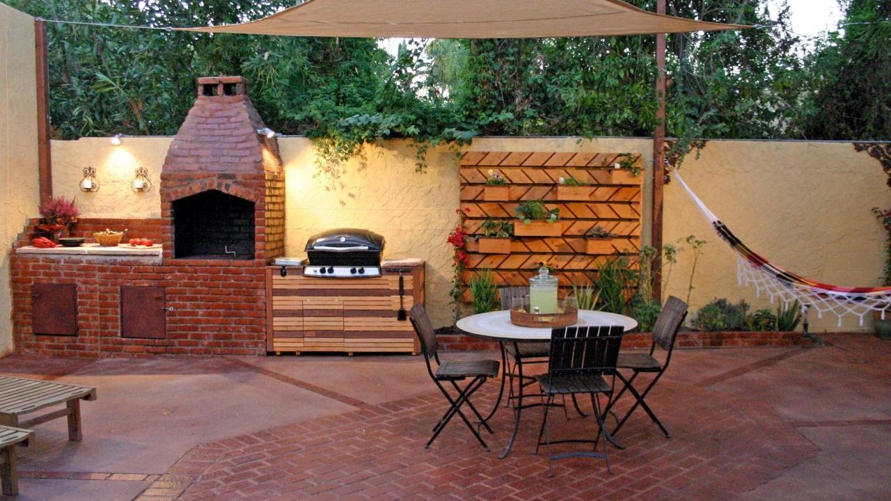 Outdoor kitchens on a budget youtube for Outdoor kitchens on a budget