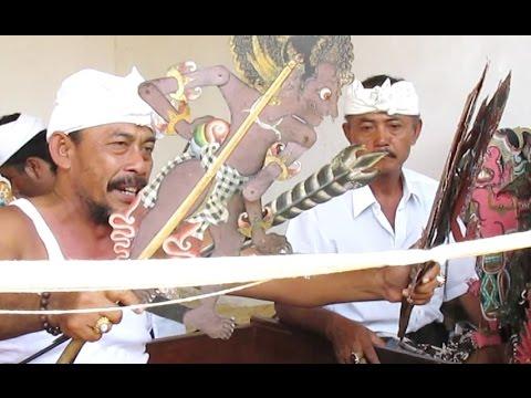 WAYANG KULIT BALI - Balinese Shadow Puppet Play - Hinduism in Bali [HD]