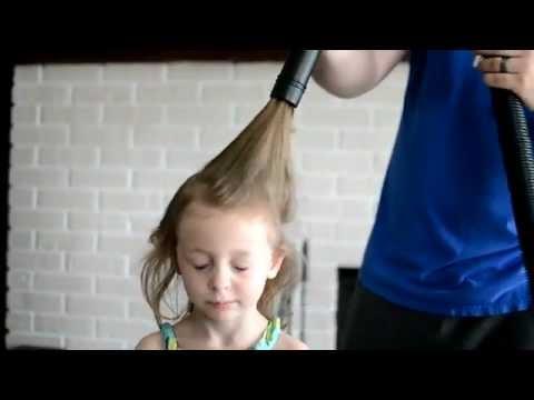أضحك مع البشر أحدث طريقة لتمشيط الشعر بالمكنسه
