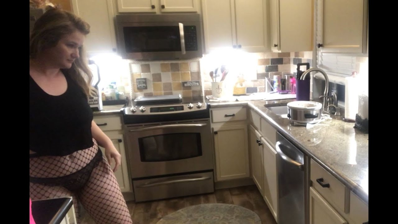 Simply Ellie pt. 1 - Sexy in the Kitchen #1