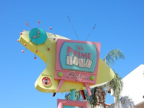 Disney's 50's Prime Time Cafe lunch & Review - Hollywood Studios