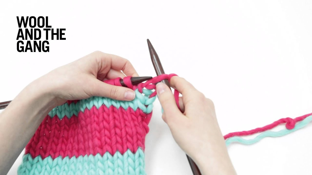 How to knit stripes - DIY tutorial for adding stripes to scarf - YouTube