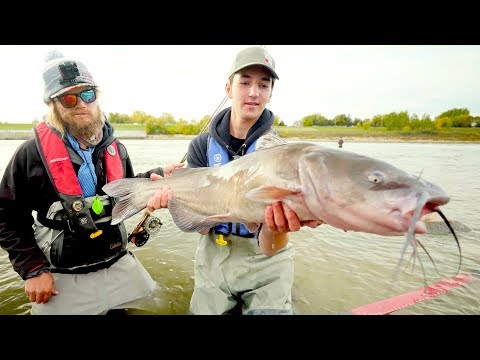 Fly Fishing For Catfish?!?!! - Red River, Manitoba