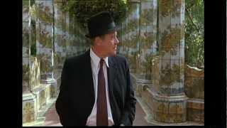Jack Lemmon visita il Chiostro delle Clarisse  a Napoli nel film: MACCHERONI