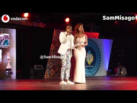 VIDEO: Diamond Platnumz na Hamisa Mobetto LIVE kwenye Stage Usiku wa Tuzo za Sinema Zetu SZIFF 2018 thumbnail