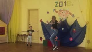 """""""Ритмический танец"""". Семейный фестиваль 2018 г. Д/с №42 , г. Верхняя Салда. Пустошиловы."""