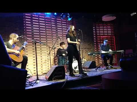 CHVRCHES - The Mother We Share (101 WKQX Sound Lounge 12/01/18 Private Show)