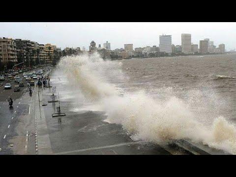 Marine lines (Mumbai) in rainy season with high tight 2017
