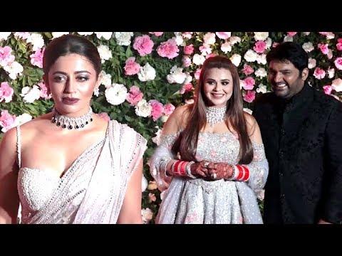Bigg Boss 12 Neha Pendse Looks HOT At Kapil Sharma Wedding Reception thumbnail
