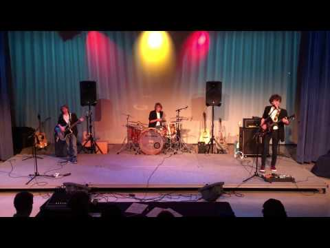 Flippin' Eyelids - The Clash - at the Calverton School