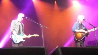 Graham Nash 2016-03-25 Immigration Man at Byron Bay Bluesfest