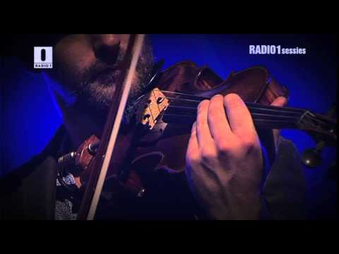 Absynthe Minded & Tom Barman - Little Rascal // Radio1 Sessies 2012