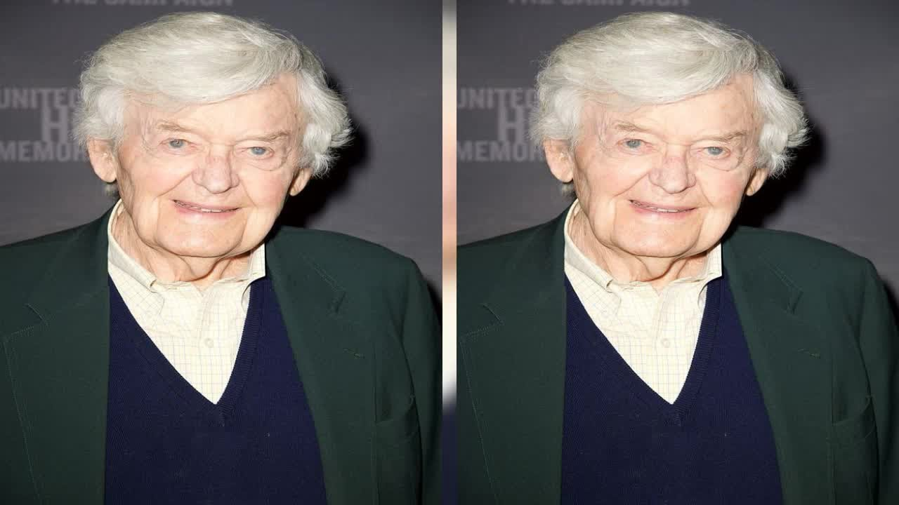 Photos: Remembering Hal Holbrook, 1925-2021