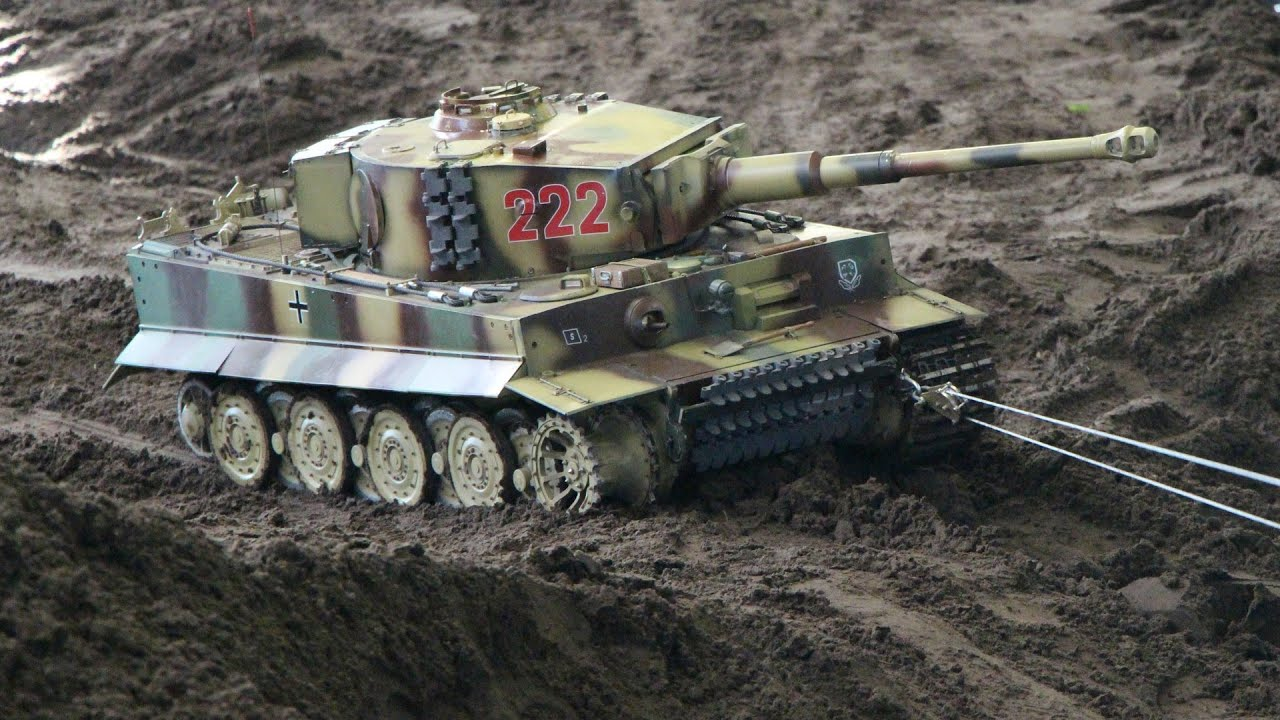 Big rc tank rescue on the battlefield panzer modelle auf