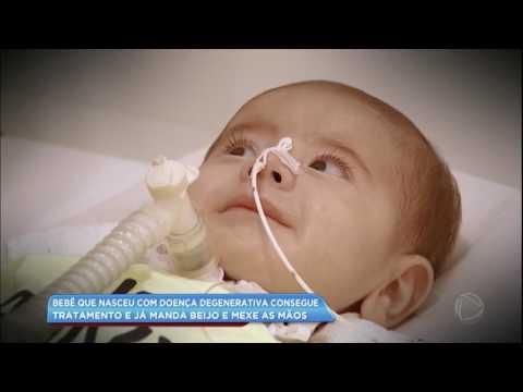 Bebê com doença degenerativa apresenta evolução incrível após primeira dose do remédio