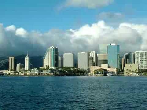 HONOLULU SKYLINE OF HAWAII