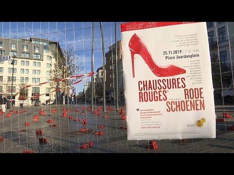 شاهد: أحذية نسائية بطلاء أحمر تتوسط ساحة في بروكسل لأجل مناهضة العنف ضد المرأة…  - 09:59-2019 / 11 / 26