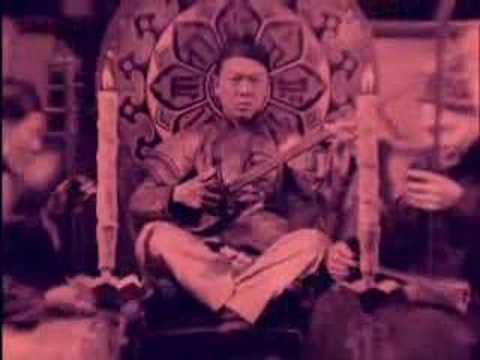 VIRGILE GOLLER, PICCADILLY (La danse chinoise), film muet - YouTube: http://www.youtube.com/watch?v=kgHw2UoYn_M