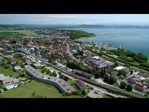 Drone à Hauterive vers Neuchâtel en Suisse 4K