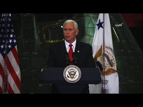 Pence asks for return to the Moon: American boots on the face of Mars.