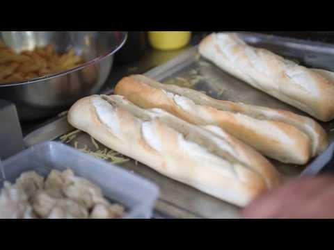 Bonus clip 2: Le pain bouchon gratiné, ile de la Réunion 974.
