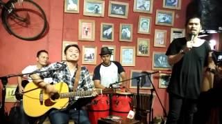 VIRZA - Aku Lelakimu (ft. RIAN RUSLIANSYAH n friends @Bandini Cafe, 09Aug16)