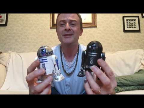 R2-D2 and C2-B5 compared!