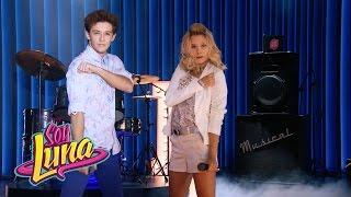 Ámbar y Matteo cantan Mírame a mí | Momento Musical (con letra) | Soy Luna