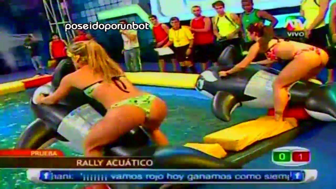 Combate Las Chicas Usan Diminutos Bikinis En La Competencia Rally Acuatico 280213