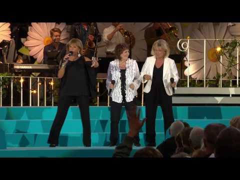 Finalnummer med Lill-Babs, Siw och Ann-Louise - Lotta på Liseberg (TV4)