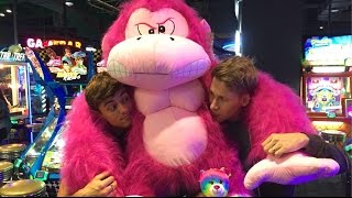 How Lance and I won a GIANT PINK GORILLA!