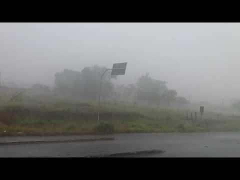 Forte Chuva repentina com fortes ventos surpreende!