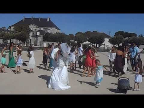 flashmob spéciale mariage Mr et Mme FITIALEATA Samuele et Linda