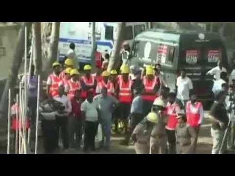 India building collapse: Man pulled alive from rubble    BBC News