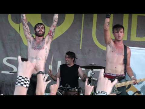 HD Of Mice & Men - Seven Thousand Miles For What (Live at the Vans Warped Tour 2010)