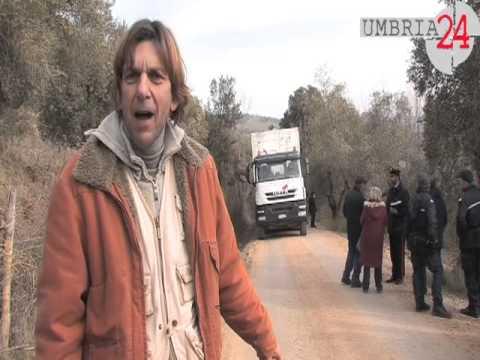 Discarica di Borgo Giglione, camion bloccati: la protesta