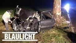 4 Jugendliche sterben bei Auto-Unfall - Frontal gegen Baum