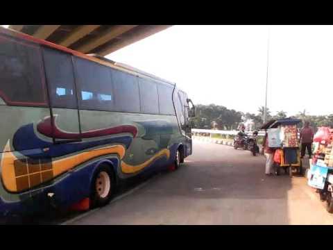 Bus Telolet PT ALS Di Daerah Pulo Gebang Jakarta Timur